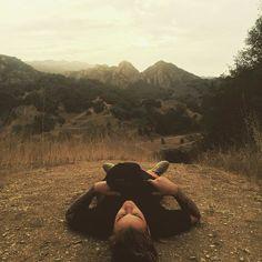 A veces le olvidarse de todo y acostarse en la hierba porque sí