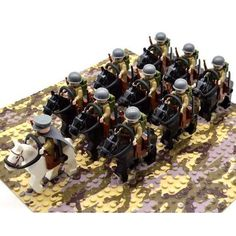 Nice Lot of 10 WWII German Soldiers Mini Figures Free Ship In USA