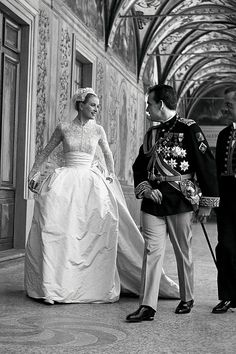 This dress is timeless! so gorgeous! Grace Kelly Wedding dress designed by Helen Rose of MGM