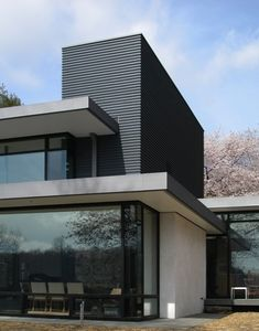 Abelow Sherman Architects LLC - modern - exterior - new york - Abelow Sherman Architects LLC Residential Architecture, Contemporary Architecture, Amazing Architecture, Interior Architecture, Flat Roof House Designs, Flat Roof Design, Modern Exterior, Exterior Design, Exterior Siding