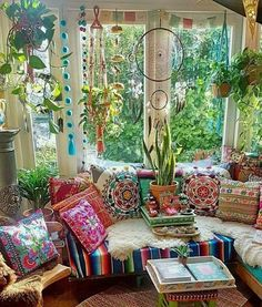 Make your Living room all the more beautiful, cozy, relaxing & boho chic with a bohemian decor. Here are the best Bohemian living room decor ideas for Bohemian House, Bohemian Living Rooms, Bohemian Bedroom Decor, Boho Home, Boho Decor, Bohemian Style, Boho Chic, Hippie Living Room, Boho Hippie