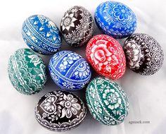 AGNUSEK - Danuta Sroka - Pisanki drapane, batikowe, wycinanki i inne Egg Art, Easter Crafts, Quilling, Easter Eggs, Folk Art, Wax, Hand Painted, Holiday Decor, Handmade