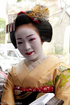 """Maiko's Fukue's 'graduation' kanzashi and hairstyle. She became a full fledged geiko from Miyagawacho in 2012.   The hairstyle she wore in your picture, she wore it for only a week as to announce her upcoming graduation or """"eri-kae""""."""