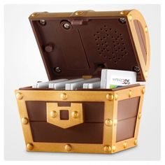 Pre-order bonus in Europe for #ALBW : A mini sonore treasure chest for 3DS games cards!>>>>Crushing my American dreams :(