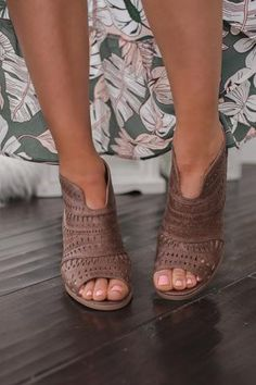 See Me Around Cutout Detail Booties (Tan)