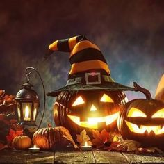 Smiling Jack O Lantern Retro Halloween, Happy Halloween Gif, Happy Halloween Pictures, Image Halloween, Halloween Scene, Halloween Images, Holidays Halloween, Spooky Halloween, Halloween Themes