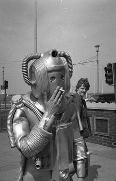 Smokebot Retro technology at its finest! The Westinghouse Electric Corporation actually made a smoking robot in the (not pictured here). His name was Elektro — how modern. Science Fiction, Old Photos, Vintage Photos, Vintage Space, Foto Picture, Top Photo, Vintage Robots, Sci Fi Art, Tardis