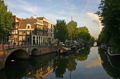 The canalsthat wind through the streets ofAmsterdam such as Singel, Herengracht, Prinsengracht and Keizersgracht, are as typical a symbol of the Netherlands as are tulipsand wooden clogs