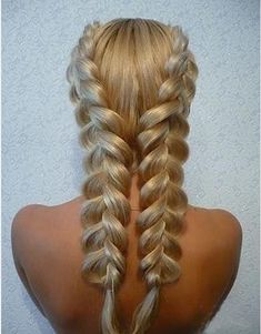 Pinterest Trend du Jour: Hair Braiding No Average Woman could Possibly Achieve | Messy Nessy Chic Messy Nessy Chic