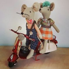 Mum and dad mouse on the Vespa!