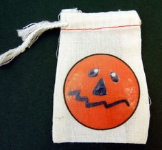 Halloween Gift Bag.  Pumpkin or Jacko'lantern by buttonsbyrobin, $2.50