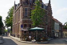 stadscafe-de-spaarbank-013-straatjes-etendrinken-tilburg4.jpg (900×600)  www.013straatjes.nl