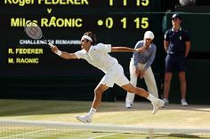 Roger Federer reaches for a forehand return