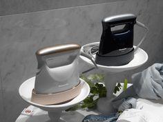 パナソニック、累計100万台超え「衣類スチーマー」の新モデルは、スイッチオンから約24秒で使える! - 家電 Watch