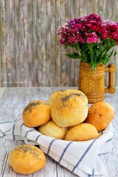 Chifle de casă pufoase şi minunate   Bucate Aromate Mango, Peach, Fruit, Food, Fine Dining, Manga, Essen, Peaches, Meals