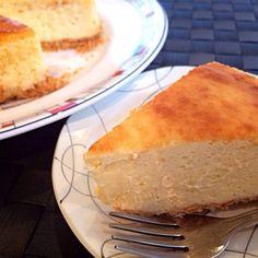 甘さ控えめ♡ でも、濃厚なチーズケーキ⊚⃝⸜(ू*´ω`* )  今回はしげるにならずにキレイに焼けたった\\\\٩( 'ω' )'ω' )و //// - 70件のもぐもぐ - ベイクドチーズケーキ♡ by あみっきー☻