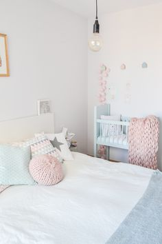 Pastel decor Pastel Decor, Nordic Home, Photo And Video, Bedroom, Furniture, Instagram, Home Decor, Homemade Home Decor, Bedrooms