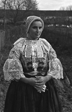 Folk Clothing, People Of The World, Eastern Europe, Folklore, Traditional Outfits, Culture, Embroidery, Humor, Photography