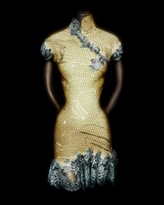 House of Dior (French, founded 1947). John Galliano (British, born Gibraltar, 1960). Dress, autumn/winter 1997–98. Yellow silk jacquard printed with gray dots; blue-gray silk-synthetic lace. Courtesy of the Museum of Applied Arts and Sciences, Sydney, Australia; Gift of Christian Dior, Paris, 1997 | Photography © Platon #ChinaLookingGlass #AsianArt100