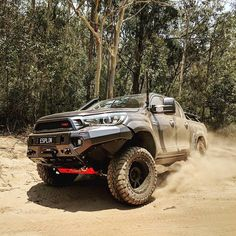 Toyota Hilux, Toyota 4x4, Toyota Trucks, Hilux 2016, 4x4 Accessories, Roof Shapes, New Trucks, Ford Ranger, Jeep Life