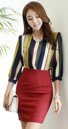 StyleOnme_Basic High-waisted Pencil Skirt #ruby #red #pencil #skirt #chic #trendy #koreanfashion #seoul #stylish #pretty #elegant #modern #officelook #formal