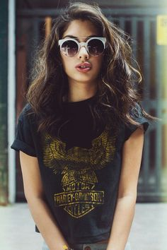 Harley tee & cool shades #indie #fashion #hipster