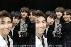 02/07/18 Fancafe #BTS! FAKE LOVE 1er Lugar! #JHOPE #RM #V ~❤~