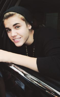 Justinnnnnnnnnnnnnn Bieberrrrrrrrrrrrrrrrrrrrrr !!!!!!! Is really really so hot and amazing.