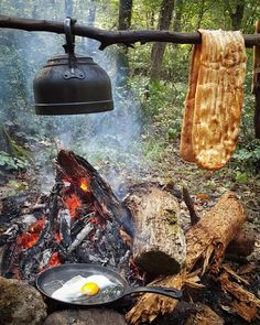 https://bushcraftturk.tumblr.com/post/152107426932/outdoorcooking-breakfast-bushcraft-wildcamping