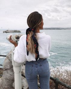Kleider rock minimal style inspiration denim style inspo denim inspiration inspo minimal modeinspo style what to add to your closet in august Denim Fashion, Look Fashion, Fashion Outfits, Fashion Mode, Lifestyle Fashion, Fashion Trends, Europe Fashion, Fashion Hair, School Fashion