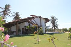 Side view on the Villa Cacau! This villa is very close to the towns center and also not far from the beach and the kiteboarding station..