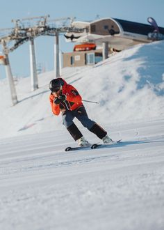 Dort, wo Skilegenden einst das Skifahren lernten © Flachau Tourismus | Niko Zuparic Olympia, Mount Everest, Skiing, Mountains, Nature, Travel, Ski, Tourism, Legends