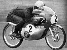 Mitsuo Itoh winning the GP of Japan Retro Motorcycle, Suzuki Motorcycle, Racing Motorcycles, Classic Motorcycle, Motorcycle Girls, 50cc Moped, Road Racing, Vintage Racing, Japan