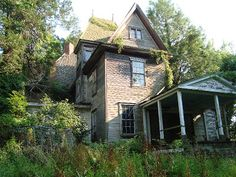 Old abandoned house, Anne Arundel County, MD. 7/6/2012
