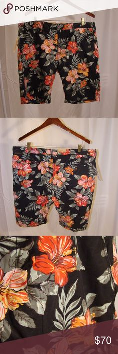 RL Denim & Supply Floral Print Shorts Do you seem quiet and reserved, but, you want to catch someones eye??  Here's your chance!  These shorts are a perfect conversation starter.   Awesome floral print.  Warm, but masculine, colors.  Unusual black background.  FUN. DIFFERENT. COMFORTABLE. QUALITY.  Add these to your summer and vacation wardrobe and start the conversation!  Cotton.  Likely, now impossible to find. Denim & Supply Ralph Lauren Shorts