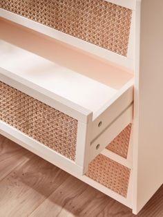 Rattan Furniture, Upcycled Furniture, Home Furniture, Comfy Bedroom, Bedroom Decor, Room Interior, Interior Design Living Room, Diy Placards, Ikea Hack Storage