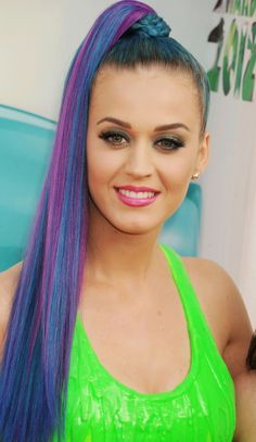 We've gathered our favorite ideas for An Ode To Katy Perrys Technicolor Hairstyles, Explore our list of popular images of An Ode To Katy Perrys Technicolor Hairstyles in katy perry colored hair. Purple Hair Streaks, Blue Hair, Lilac Hair, Gray Hair, Katy Perry Purple Hair, Katy Perry Firework, Katy Perry Fotos, Hair Color Pictures, Katy Perry Pictures