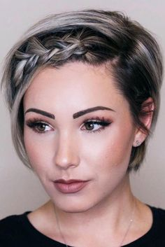 Short Bob with Braided Fringe ★ Short hairstyles for women have caused a lot of stir in Want to know what they are? You can find all of them in our exclusive photo gallery, which includes a layered bob, a messy pixie cut, cute Dutch braids and many m Try On Hairstyles, Trending Hairstyles, Pixie Hairstyles, Short Hairstyles For Women, Braided Hairstyles, Model Hairstyles, Pretty Hairstyles, Pixie Haircuts, Hairstyles For Pictures