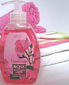 Special formula, extremely mild and delicate to the skin of hands. Enriched with floral rose water, the liquid soap does not destroy the hydro-lipid layer of the skin, does not irritate or dry it. The rich foam and fresh rose scent turn washing your hands into a truly refreshing pleasure. The floral rose water maintains the water balance of the skin, smoothes and tones.