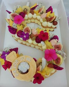 tart cake letter results - ImageSearch Candy Cakes, Cupcake Cakes, Alphabet Cake, Cake Lettering, Cream Biscuits, Monogram Cake, My Birthday Cake, Biscuit Cake, Number Cakes