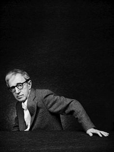 Woody Allen (photo by Nicolas Guerin) Woody Allen, Cinema, Actor Studio, Hollywood Men, Great Films, Black And White Portraits, Film Director, Famous Faces, Funny People