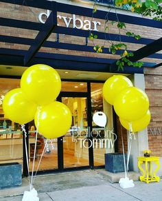 Make some noise when your new storefront or business opens! This company opted for a few large bouquets using only 3 foot balloons in bright yellow, you can't miss em! Business Launch, Business Events, Corporate Events, Grand Opening Party, Opening Day, Salon Openings, Opening A Daycare, Launch Party, Event Decor
