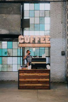 Coffee Cart/Barista 10 Delicious Ideas for a Brunch Wedding Small Coffee Shop, Coffee Shop Design, Kiosk Design, Cafe Design, Truck Design, Espresso Bar, Barista, Mobile Coffee Shop, Coffee Trailer