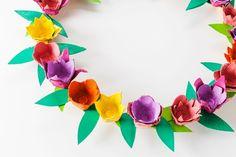 Basteln mit Eierkarton - Osterkranz aus Frühlingsblumen in ein paar einfachen Schritten