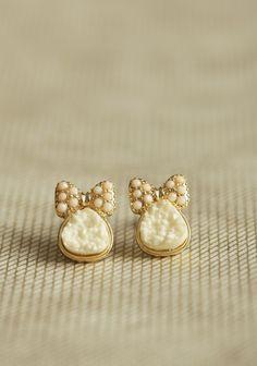 Amelia Bow Earrings | Modern Vintage