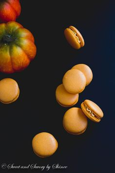 These little pumpkin French macarons packed with fall flavors will be your favorite sweet treat this season.  #LorAnnOils #OBC14