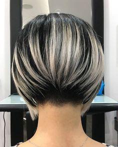 30 Latest Bob Hairstyles for Stylish Women - New Bob Hairstyles 2018 – Hair Cut Source by Bob Style Haircuts, Bob Hairstyles 2018, Bob Hairstyles For Fine Hair, Short Hairstyles For Women, Fashion Hairstyles, Pixie Haircuts, Shirt Bob Hairstyles, Short Highlighted Hairstyles, Stacked Bob Haircuts