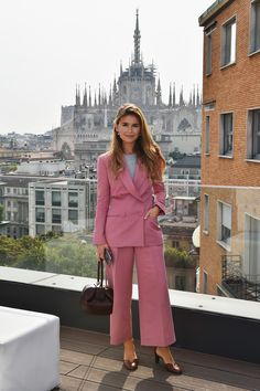 Miroslava Duma attends the Rene Caovilla Presentation during Milan Fashion Week Spring/Summer 2017 on September 23 2016 in Milan Italy. Trendy Suits, Pink Suit, Miroslava Duma, Milan Fashion Weeks, Paris Fashion, Elegant Outfit, Work Attire, Petite Fashion, Classy Outfits