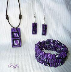Conjunto pendientes, colgante y pulsera lila en Fimo. Hecho a mano. https://www.facebook.com/Roffesartesania