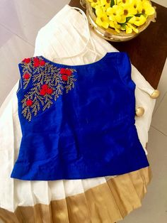 Dr Anitha in customized organza hand work blouse . Thanks dear for sharing the pic.… Source by Blouses Kids Dress Wear, Kids Gown, Dresses Kids Girl, Kids Wear, Kids Outfits, Baby Dresses, Wedding Dresses, Baby Frocks Designs, Kids Frocks Design